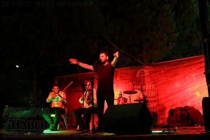 akhisar-belediyesi-acik-hava-konserleri-20-agustos-2019-sali-(26).jpg