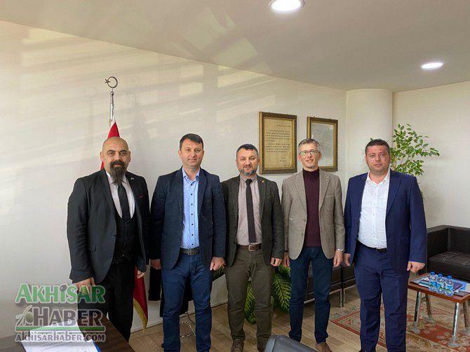 akhisar-belediyesi-ile-eksen-kurs-merkezi-protokol-imzaladi-(4).jpg