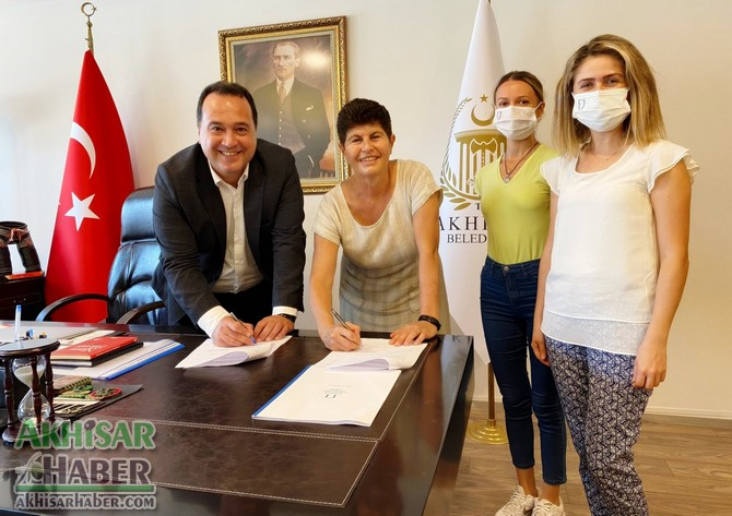 akhisar-belediyesi-ile-mimarlar-odasi-isbirligi-protokolu-imzaladi-(1).jpg
