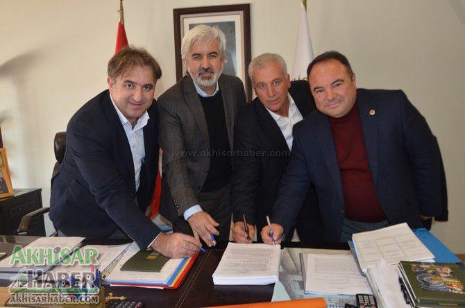 akhisar-belediyesinde-toplu-is-sozlesmesi-imzalandi.jpg