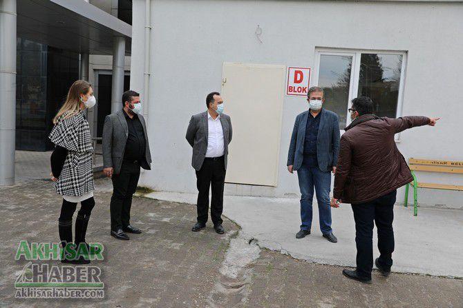 akhisar-belediyesinden-koronavirus-tespit-merkezine-konteyner-destegi-(6).jpg