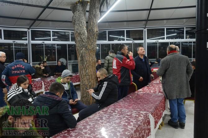 akhisar-deprem-kriz-masasi-(6).jpg