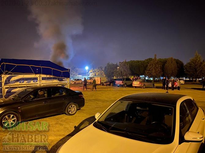 akhisar-deprem-kriz-masasi-(9).jpg