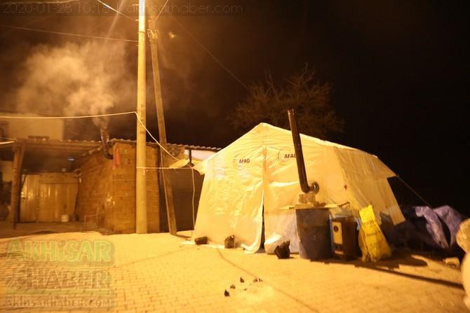 akhisar-deprem-selcikli-(2).jpg