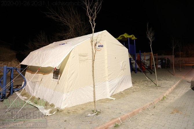 akhisar-deprem-selcikli-musalar-gokceahmet-(1).jpg