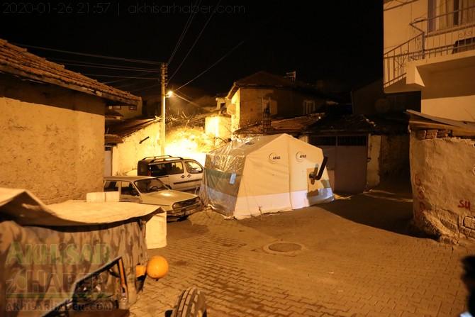 akhisar-deprem-selcikli-musalar-gokceahmet-(11).jpg
