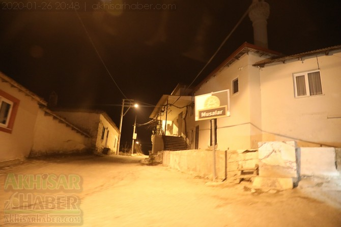 akhisar-deprem-selcikli-musalar-gokceahmet-(6).jpg