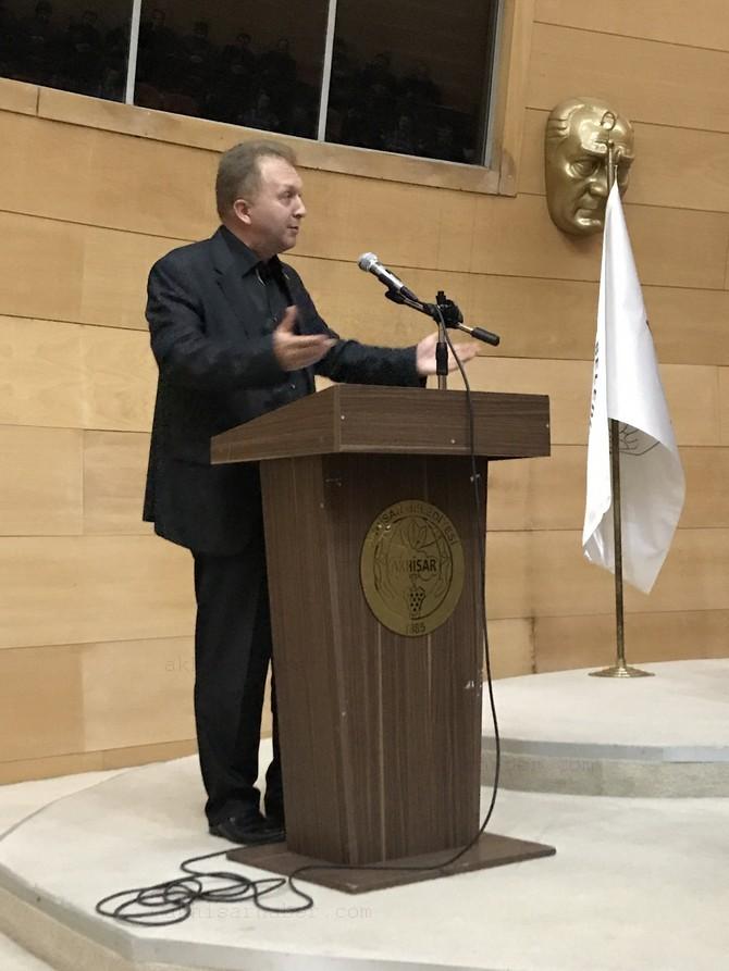 akhisar-egitim-bir-sen'den-bir-medeniyet-mirasi-aliya-konulu-konferans-(6).jpg