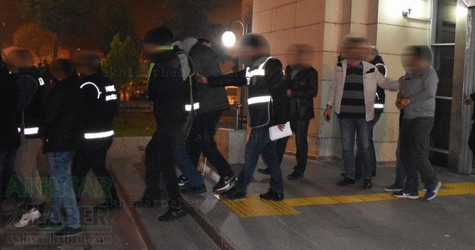 akhisar-merkezli-uyusturucu-operasyonu-11-kisi-tutuklandi-akhisarhaber-(6).jpg