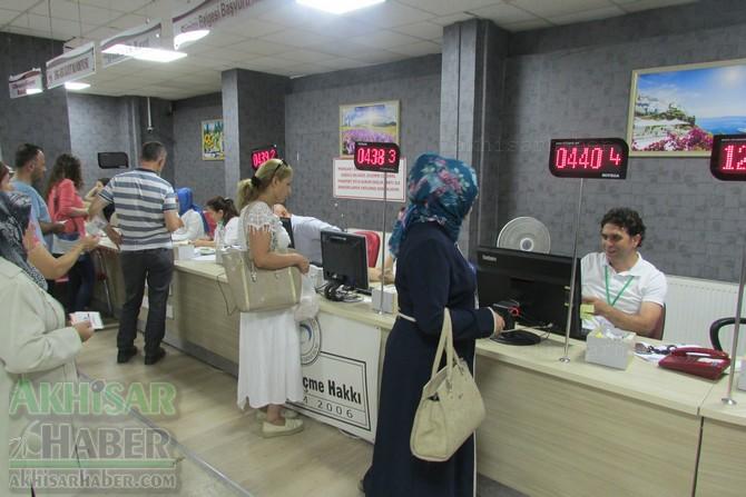 akhisar-mustafa-kirazoglu-devlet-hastanesinde-bayram-mesaisi-(4).jpg