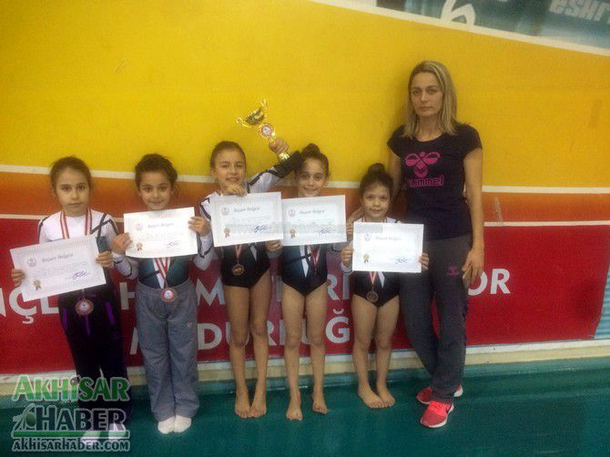 akhisarli-cimnastikciler-il-ucuncusu-oldu-(1).jpg