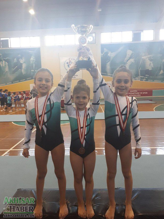 akhisarli-cimnastikciler-il-ucuncusu-oldu-(3).jpg