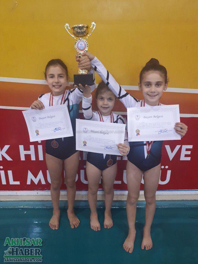 akhisarli-cimnastikciler-il-ucuncusu-oldu-(5).jpg