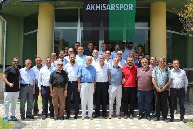 akhisarspor-yonertim-(2).jpg