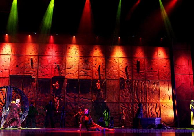 notre-dame'nin-kamburu-muzikali-10-martta!-(6).jpg