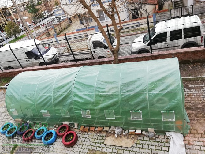 okulda-sera-greenhouse-at-school-(3).jpg