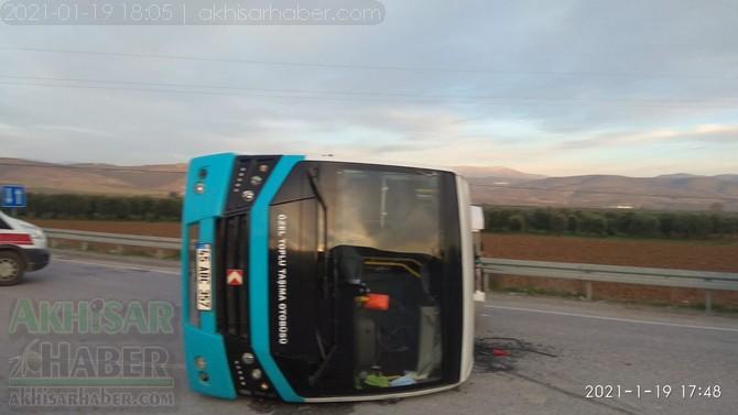 otomobil-ile-minibus-carpisti-7-yarali-(6).jpg