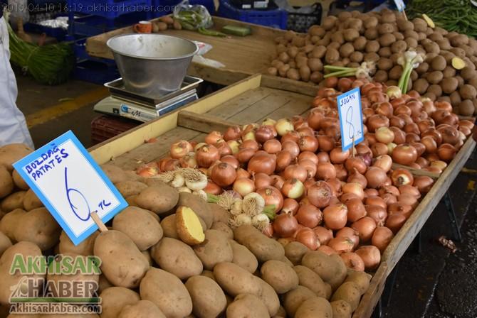 pazarda-sogan-8,-patates-6-lirayi-gordu-(4).jpg