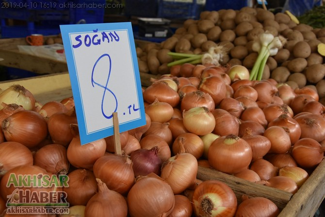pazarda-sogan-8,-patates-6-lirayi-gordu-(5).jpg
