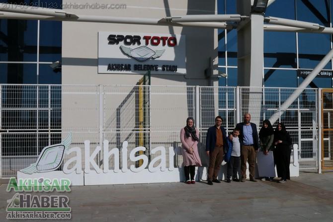 spor-toto-akhisar-belediye-stadyumu-iyilikler-yarisiyor-projesine-dahil-oldu-(9).jpg
