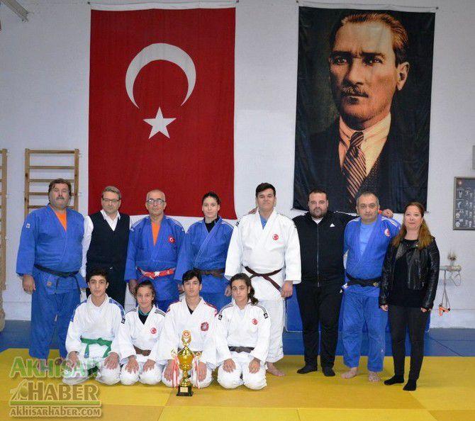 yunusemre-belediyespor-judo.jpg