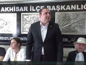 CHP Akhisar İlçe Teşkilatı 1 Mayıs İşçi Bayramını Kutladı