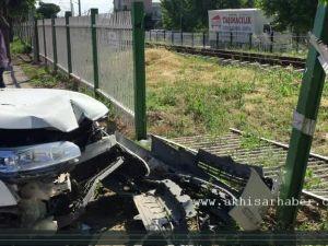 Akhisar Hastane Kavşağında Maddi Hasarlı Kaza