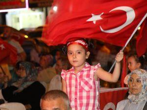 Akhisar demokrasi nöbeti 19. gün
