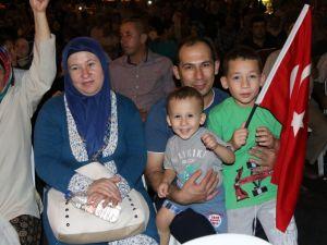 Akhisar demokrasi nöbeti 22.gün