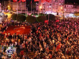 Akhisar'daki demokrasi nöbetinde final yapıldı
