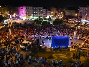 Akhisar'da demokrasi nöbeti 27. gününde sona erdi