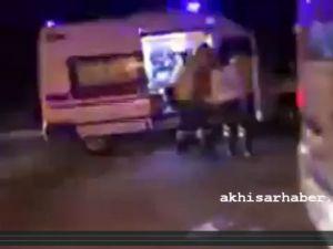 Akhisar Kayalıoğlu mahallesinde feci kaza 15 yaralı var