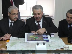 Ulaştırma Bakanından Akhisar'a 2 büyük müjde