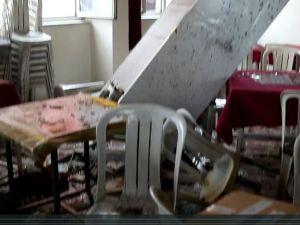 İshakçelebi'de tır kahvehaneye girdi