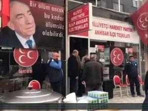 MHP Akhisar İlçe Teşkilatı Başbuğ Alparslan Türkeş'i ölüm yıldönümünün 20.yılında andı