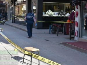 Akhisar merkez çarşıda silahlı yaralama