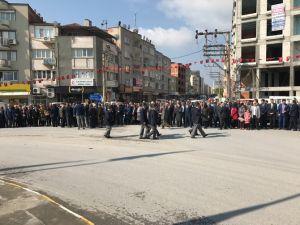 23 Nisan Ulusal Egemenlik ve Çocuk Bayramı Akhisar Milli Egemenlik Meydanı Atatürk anıtına çelenk sunma