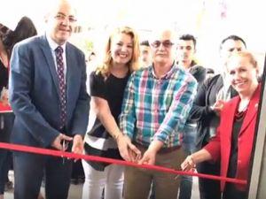 Özel Akhisar Eksen Temel Lisesi Renguaz Sergi açılış töreni