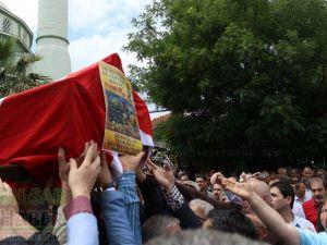 Akhisar Ahmet Er son yolculuğuna uğurlandı