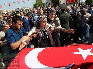 Şırnak Şenoba'da şehit düşen Fevzi Kıral Akhisar'da son yolculuğuna uğurlandı
