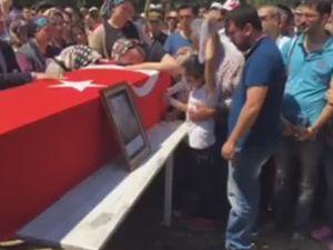 Akhisarlı Şehit Fevzi Kıral, Beyoba Mezarlığında dualarla defnedildi