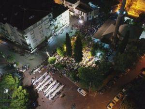 Kadir gecesinde Akhisar'da camiler doldu taştı