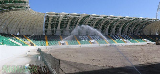 Spor Toto Akhisar Belediye Stadyumunda koltuk montajı tamamlandı