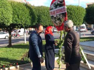 Akhisar'da muhtarlar günü çelenk sunma programı ile başladı