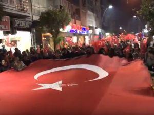 Akhisar Cumhuriyet Bayramının 94 yıl fener alayı