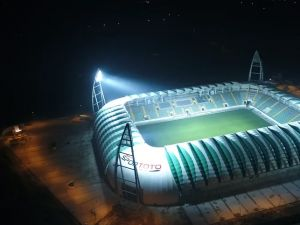 Spor Toto Akhisar Belediye Stadyumu 27 Ekim 2017 ilk kez gece ışıklandırma