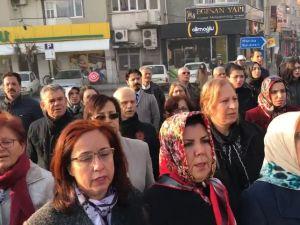 24 Kasım Öğretmenler Günü Akhisar Milli Egemenlik Meydanı Atatürk anıtı çelenk sunma programı