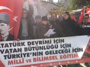 Vatan Partisi Akhisar ilçe teşkilatından 'Kudüs' ve 'Atatürk'süz müfredata hayır' basın açıklaması