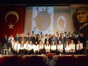 İnsan Hakları Günü Akhisar'da törenle kutlandı