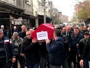 Zeytin ayağından düşerek hayatını kaybeden Akhisarlı Kıbrıs Gazisi son yolculuğuna uğurlandı